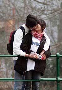 v女生:女生初次性行为平均我国22岁-英语点津年龄长直鼻子图片