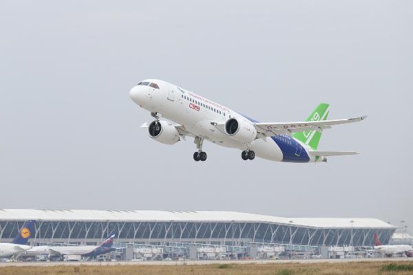 民航局提出雷雨季航班运行保障措施