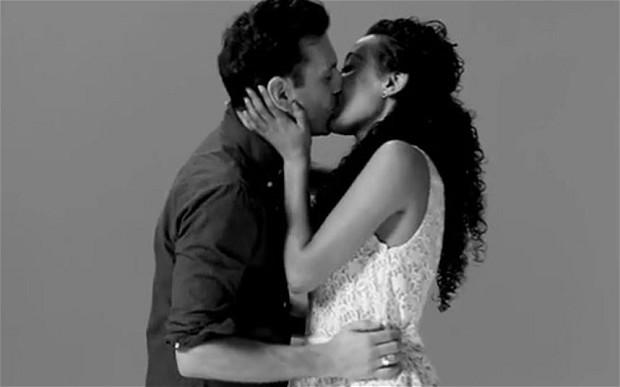 最热搜索排行 如何接吻居首