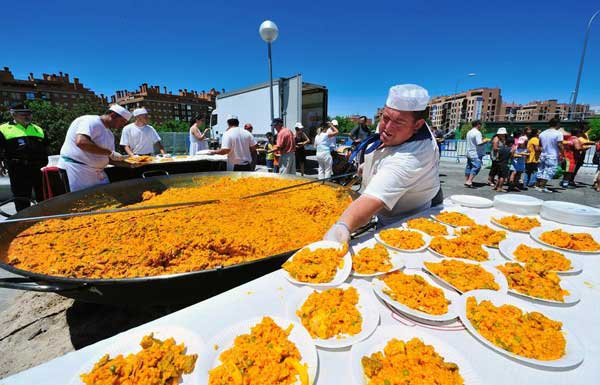 西班牙奇葩用餐时间 都是时区惹的祸