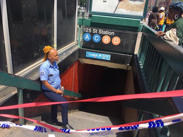 乘客太多 空间不够 纽约地铁欲拆座位