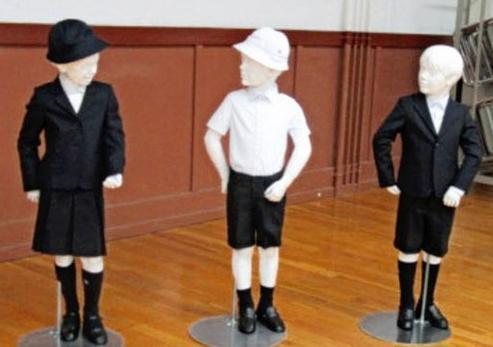 日本一小学定制阿玛尼校服遭投诉 校方:能彰显地位