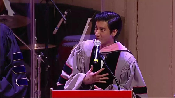 王力宏获博士学位,3分钟完美英文演讲