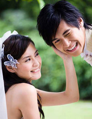 Hong Kong Pop Duo Twins Shot Wedding Pictures In France A