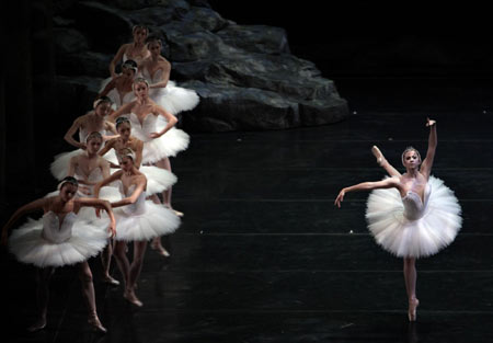 San Francisco Ballet Group performs in Shang