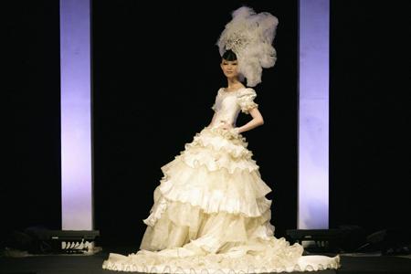 fashion designer givenchy  designer tsai meiyue