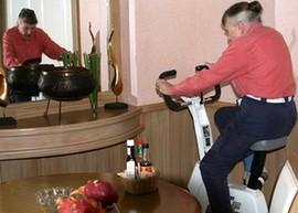 丹麦酒店:脚踏车发电赢晚餐