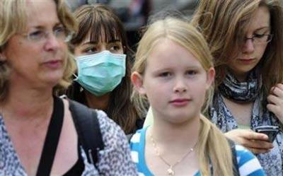 英国父母担心孩子安全 日益看紧孩子