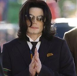 杰克逊去世一年 收入十亿