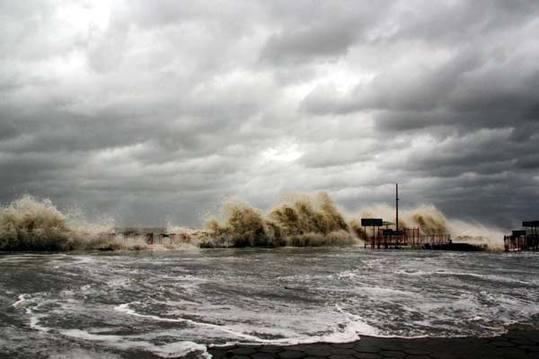 台风天兔图片_强台风天兔已致汕尾13人死亡